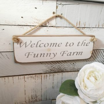 Wall Plaque - Welcome to the Funny Farm