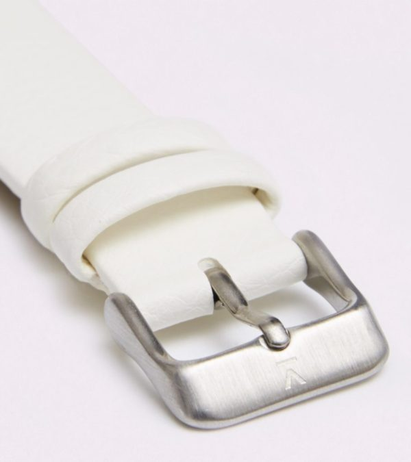 Off White With Brushed Silver Buckle   18MM
