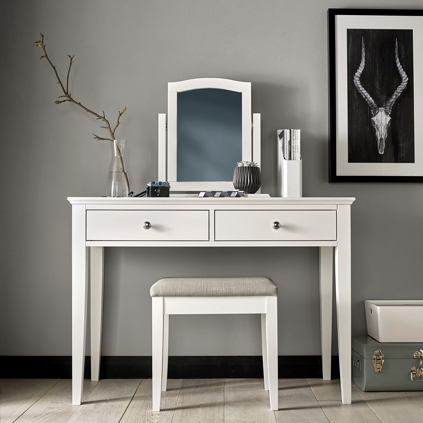 Charmant Ashby White Dressing Table
