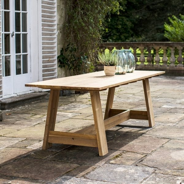 Whitcombe Table