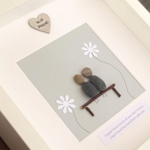 'A Good Friend Knows All Your Best Stories' Pebble Picture